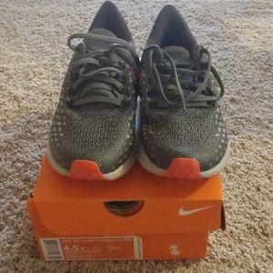Boys Nike 4.5 Shoes NIB